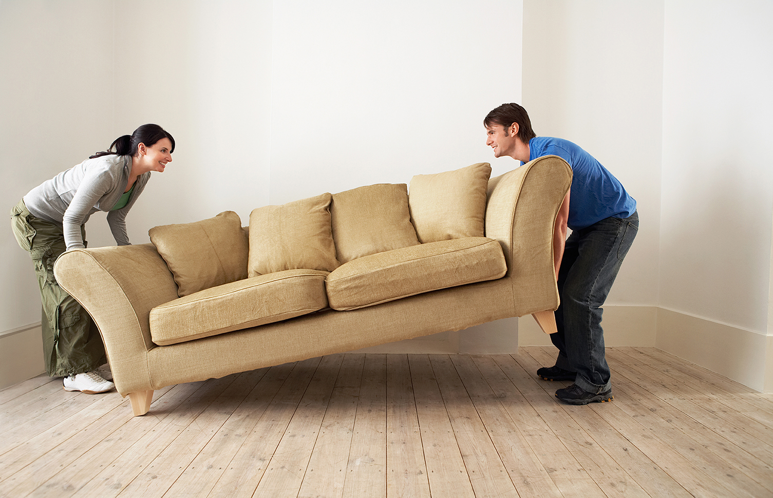 http://www.victormini.com/wp-content/uploads/2014/08/couple-lifting-couch.jpg